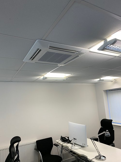 Air conditioning unit in ceiling
