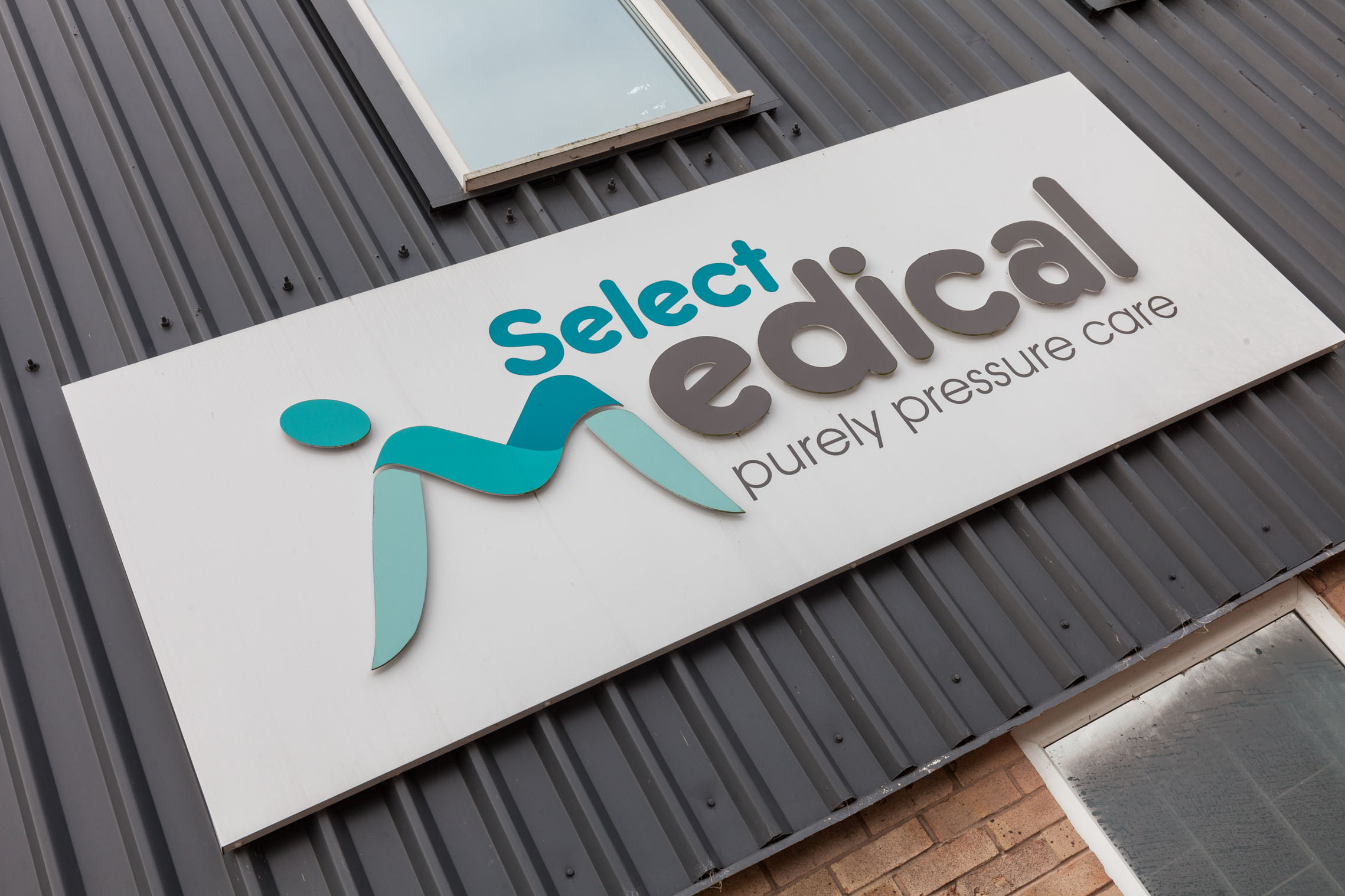 Select Medical Building Sign